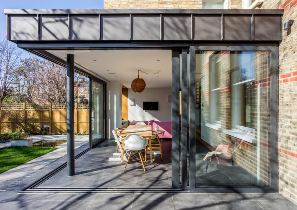 Sunflex sliding doors in an open corner design